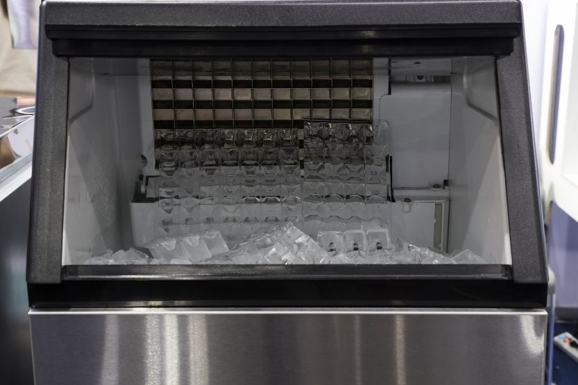 You are currently viewing 4 Helpful Tips to Maintain Your Commercial Ice Maker